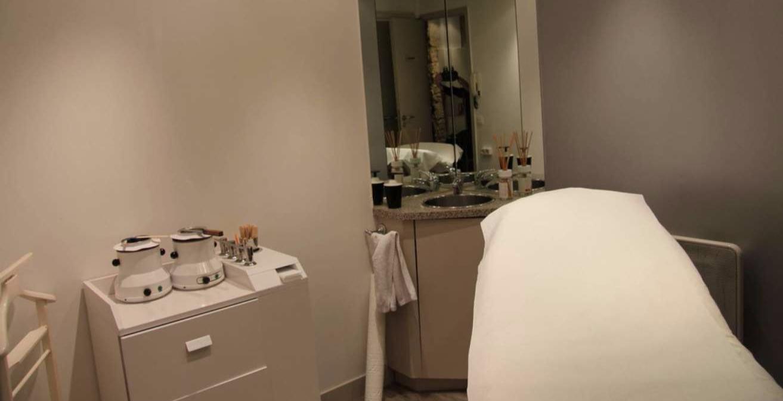 alvarez espace coiffure martyrs coiffeur visagiste. Black Bedroom Furniture Sets. Home Design Ideas